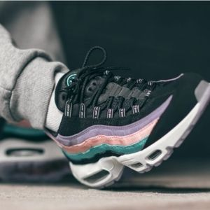 NIKE AIR MAX.  95 'Have a Nike Day'